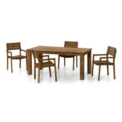 Das Set Toronto ist eine kleine Outdoor Essgruppe bestehend aus einem Tisch und 4 Sesseln, die unter den Tisch geschoben werden können.